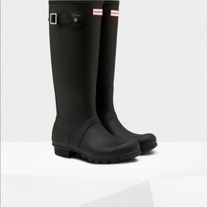 Black Matte Size 9 Hunter Boots
